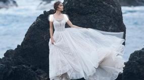 آخرین مدل های لباس عروس ساده و گیپور دار