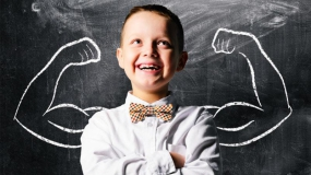 چطور به تقویت اعتماد به نفس کودکان خود کمک کنیم