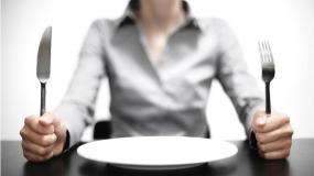 10 دلیل پزشکی برای احساس گرسنگی دائمی