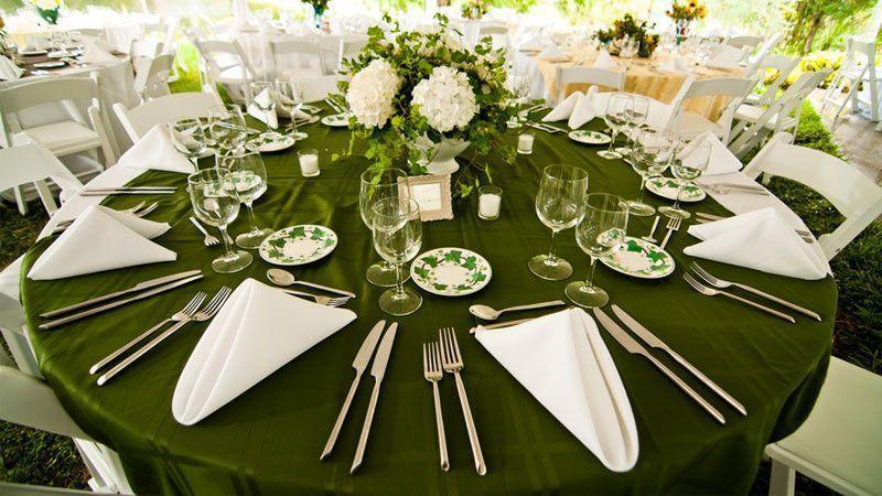 تزئینات مراسم عروسی با رنگ سال 2017 یعنی رنگ سبز