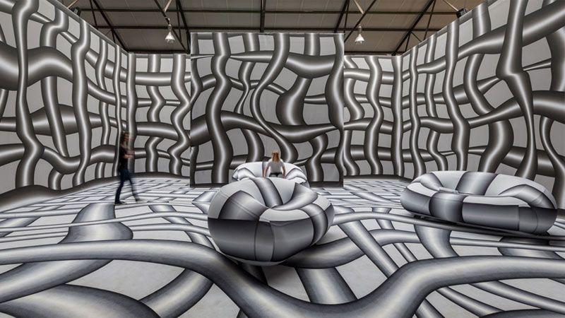 نمایش اثر سرگیجه آور و هیپنوتیزم کننده پیتر کوگلر اتریشی در شهر بروکسل