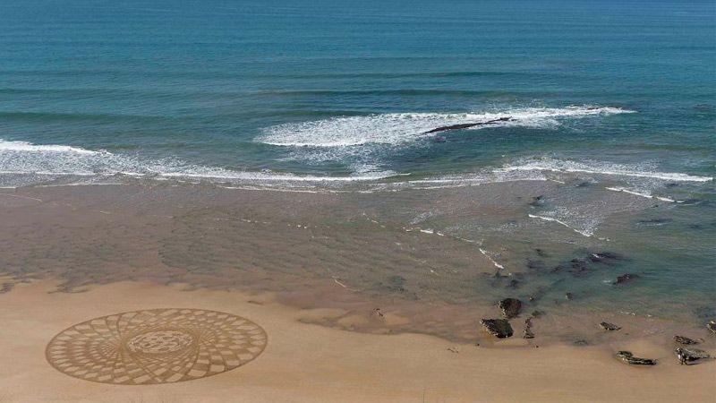 نقاشی ساحلی با الهام از طراحی و الگوهای عربی