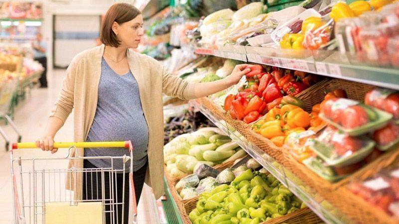 ۶ ماده غذایی که برای باردار شدن