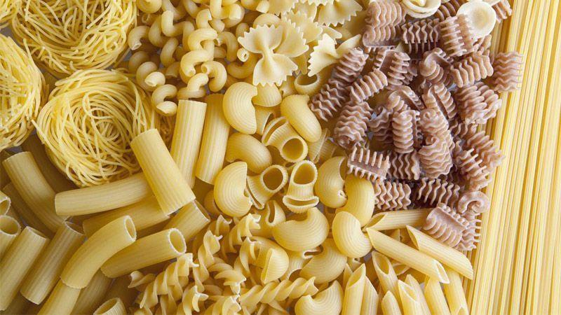 معرفی انواع مختلف پاستا: فوزیلی، اسپاگتی، پنه، ماکارونی، راویولی و...