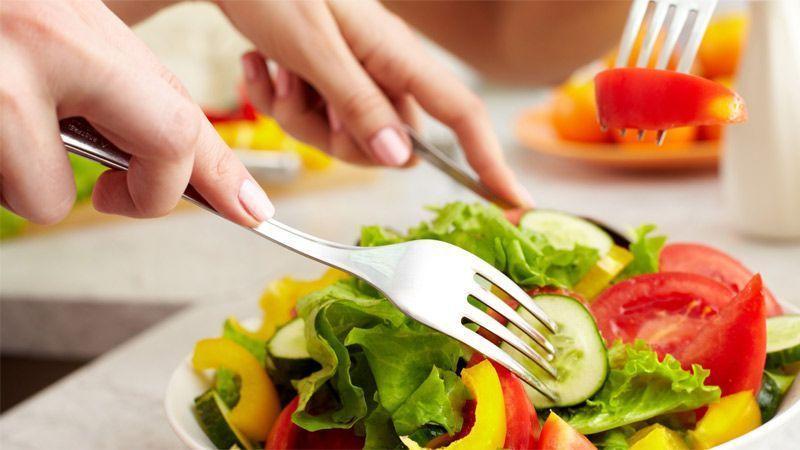 مواد خوراکی مفید برای سلامت پوست و مو