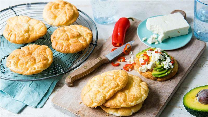 طرز تهیهی نان شیرین سبک و لطیف خانگی