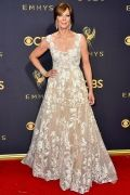 emmys-2017-all-the-looks-ss41