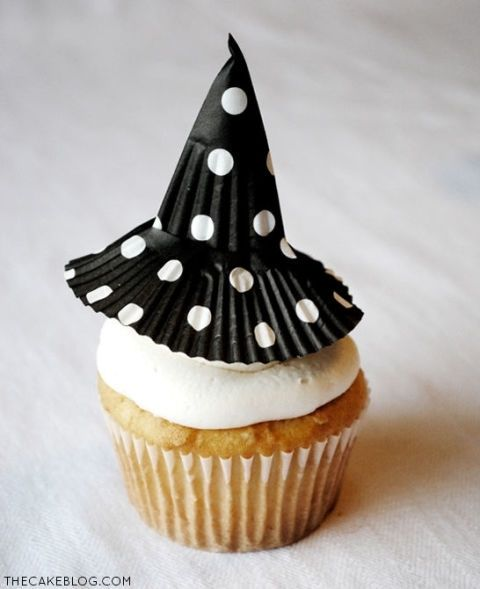 gallery-1440597530-witch-hat-cupcake-topper-sm