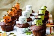1440442028-marshmallowmonstercupcakes-43