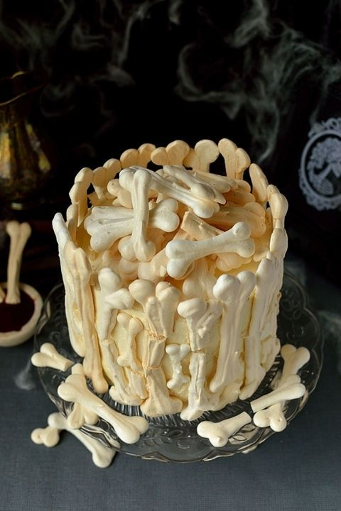 gallery-1499722076-halloween-cakes3