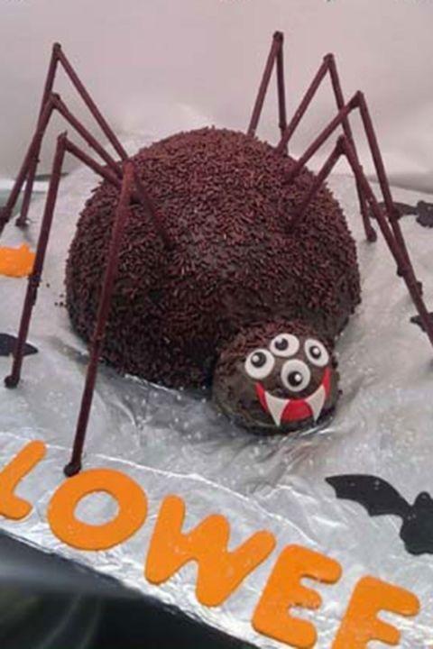 gallery-1499722553-halloween-cake2