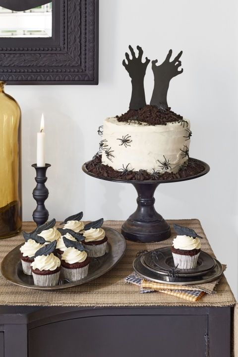 gallery-halloween-party-cake-cupcakes-1016-1