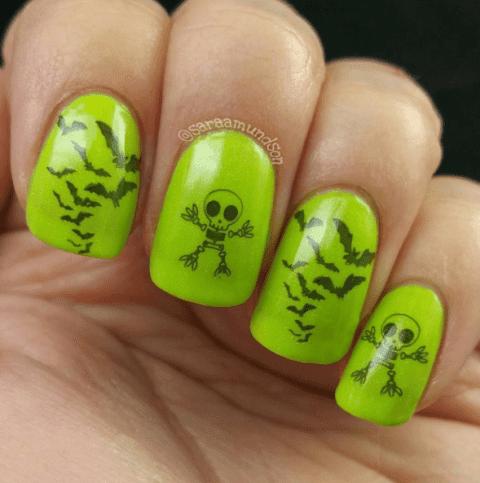 green-skull-nail-art