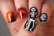 halloween-nail-art-skeleton