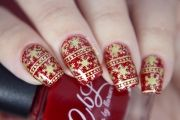 red-gold-christmas-nail-art-04
