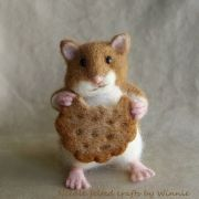 c23c64496cd0b9e06bb10f0ea5c9f4f7--hamster-eating-needle-felted-animals