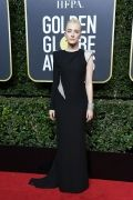 hbz-the-list-golden-globes-2018-saoirse-ronan-1515378035