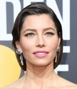 hbz-golden-globes-2018-jewelry-gettyimages-902364662-1515385922
