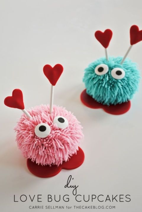gallery-1452628488-love-bug-cupcake-diy