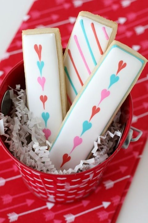 gallery-1452633091-easy-valentines-cookies