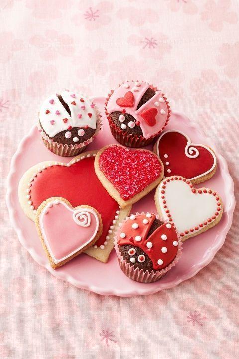 gallery-1514921057-lovebug-cupcakes