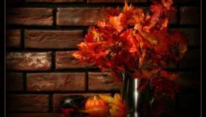 تزئین اتاق نشیمن با رنگ و بوی پاییز
