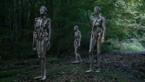 ناگاتو ایواساکی هنرمند ژاپنی و ساخت مجسمههای چوبی ترسناک