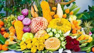 هنرمند ژاپنی و حکاکی روی میوه و سبزیجات