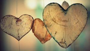 چیستی ها و نیستی های عشق