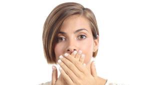 علت بوی بد دهان و راهکارهای رفع آن