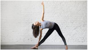 مقابله با گرفتگی عضلات کمر با انجام چند حرکت کششی