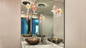 آیینه حمام و سرویس بهداشتی
