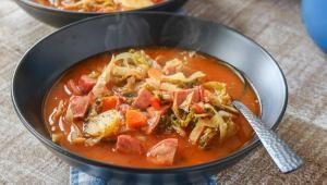 طرز تهیه یک سوپ لذیذ با کلم برگ